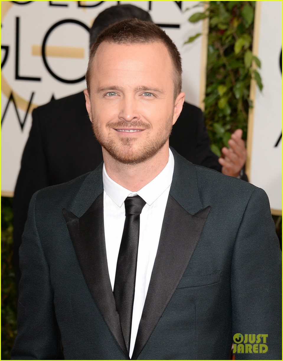 aaron paul bryan cranston golden globes 2014 red carpet 083029448