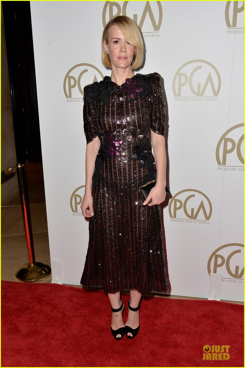 sarah paulson gillian anderson producers guild awards 2014 013035930
