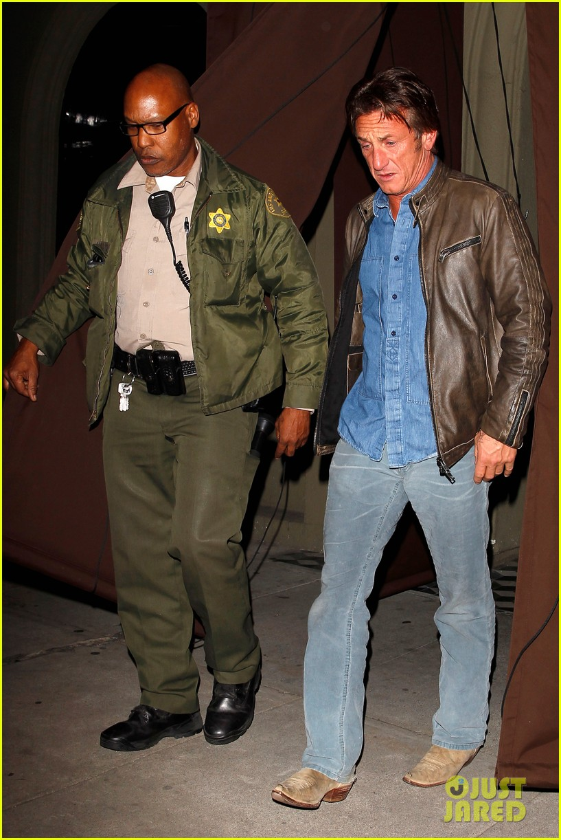 sean penn gets police escort out of solo dinner 01