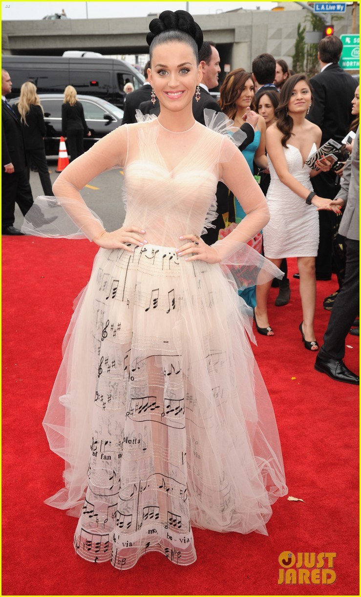 katy perry grammys 2014 red carpet 01
