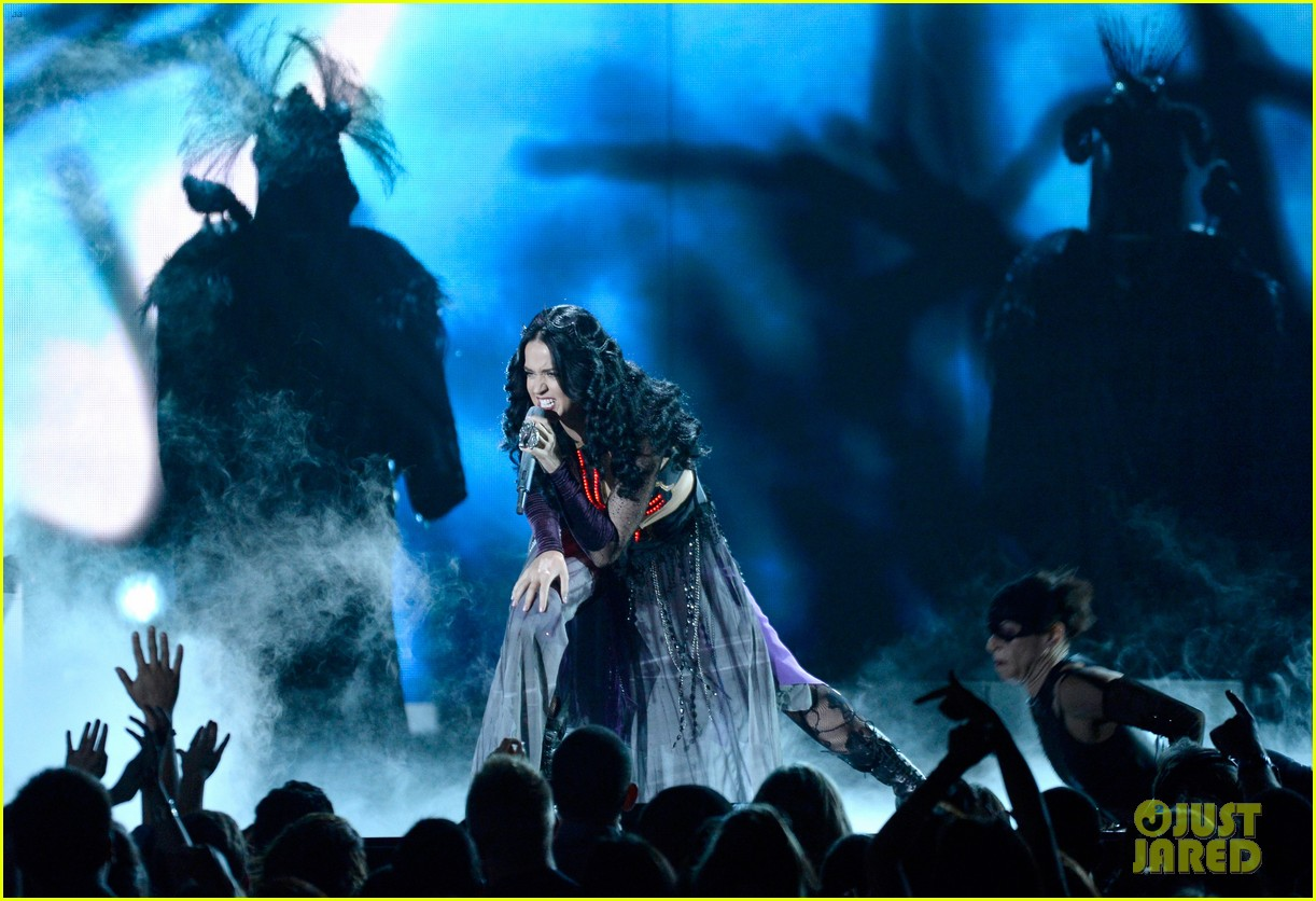 katy perry performs dark horse at grammys 2014 video 063041291