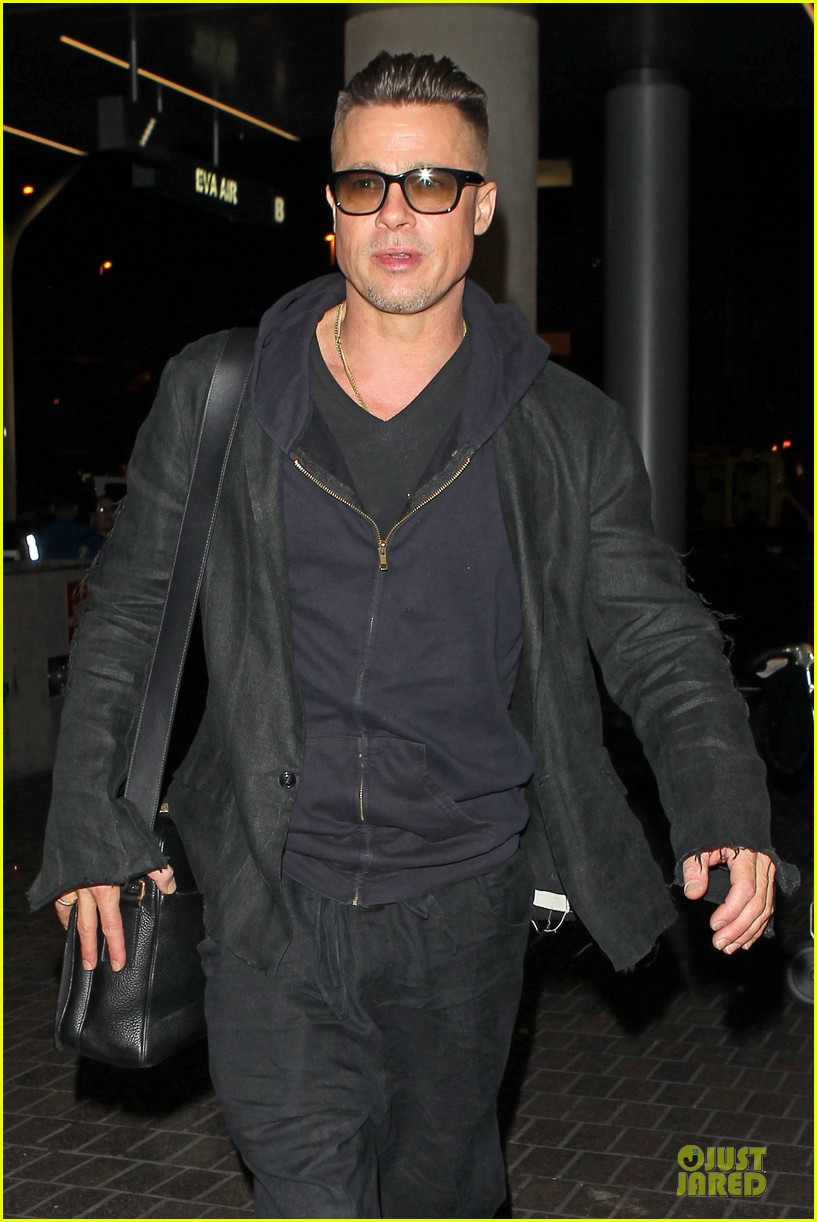 brad pitt lax departure after producers guild awards 123036203