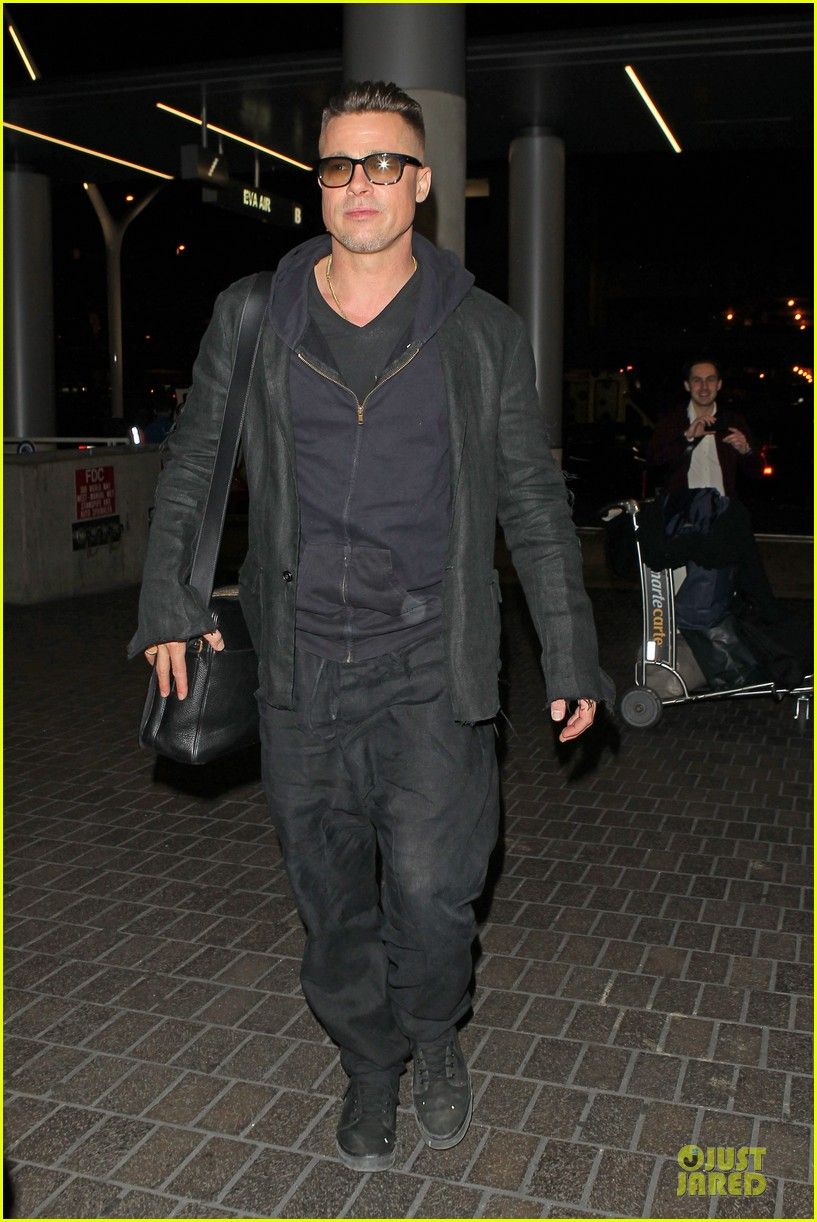 brad pitt lax departure after producers guild awards 13