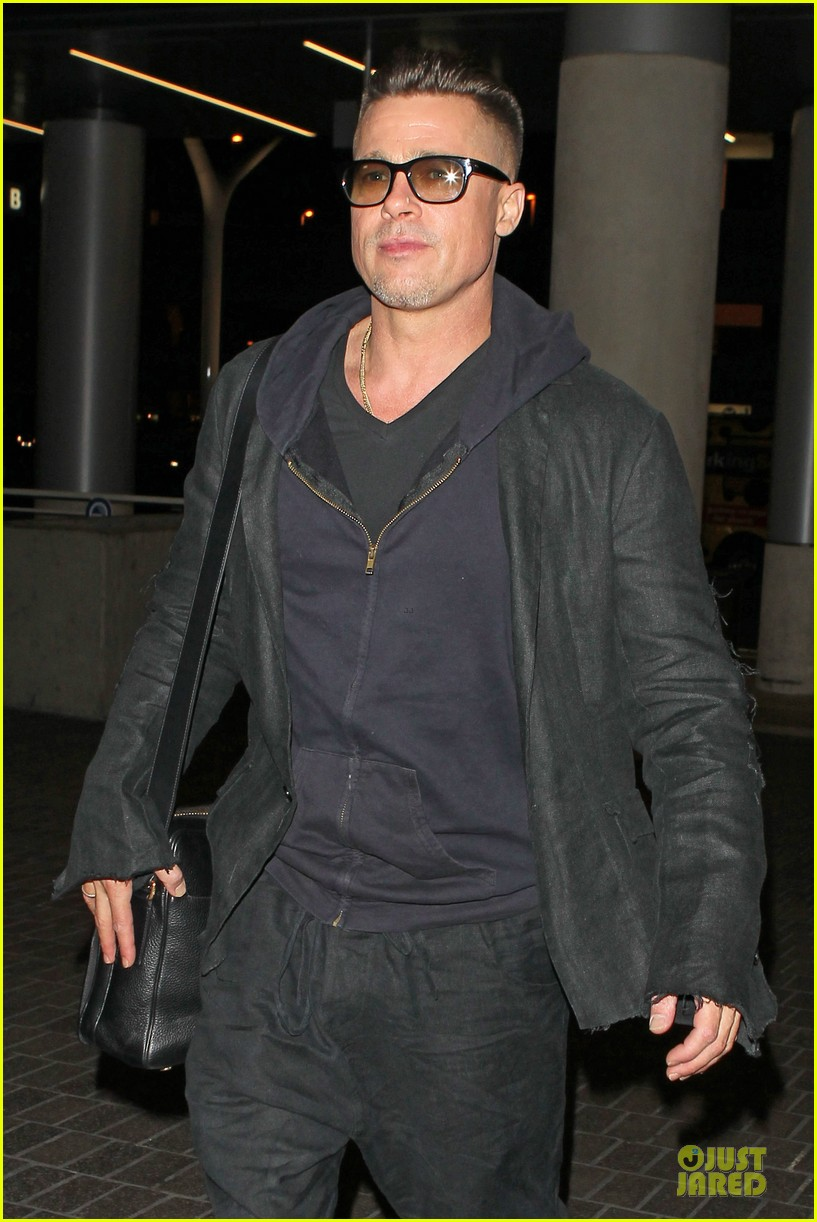 brad pitt lax departure after producers guild awards 19