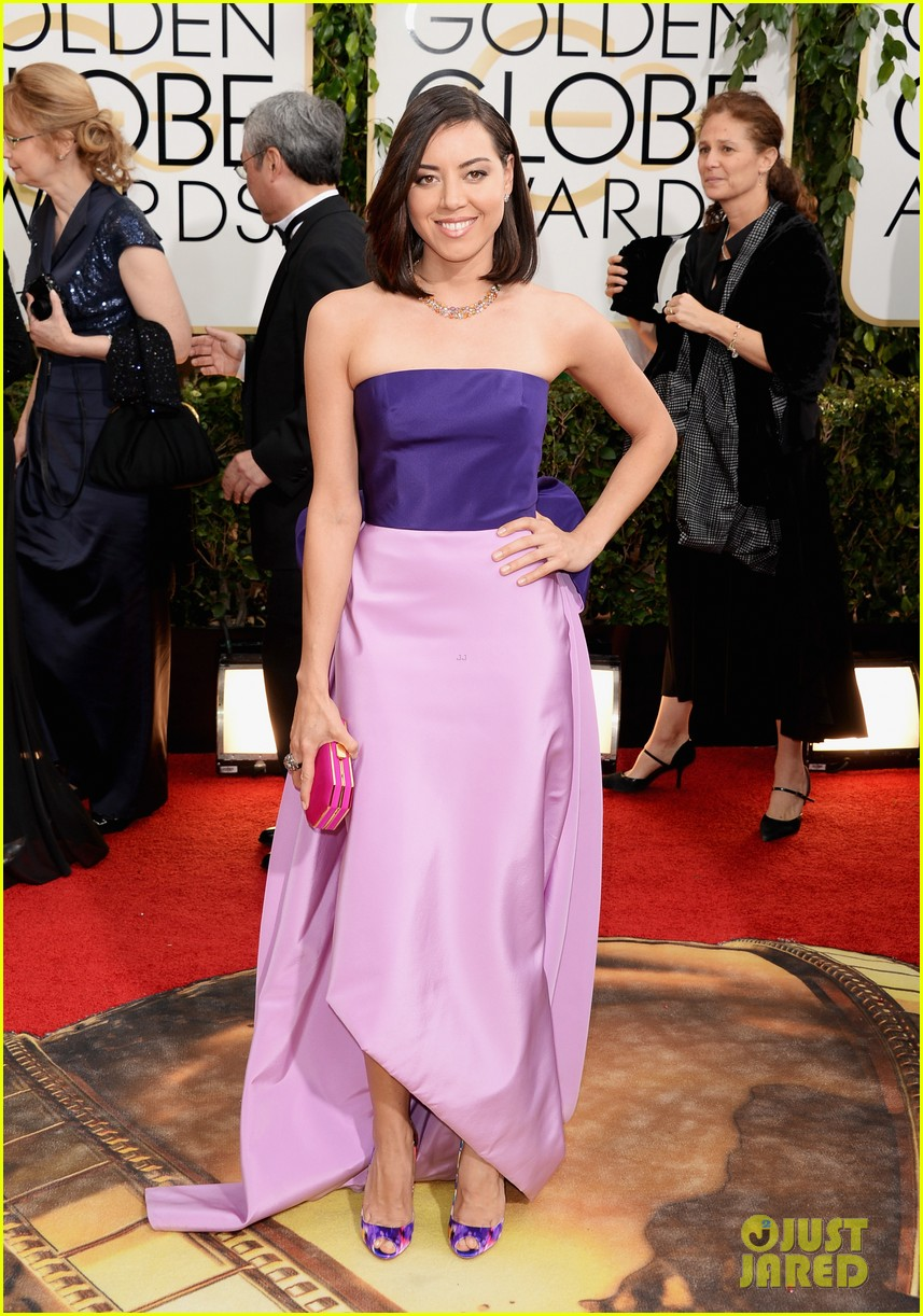 aubrey plaza golden globes 2014 red carpet 02