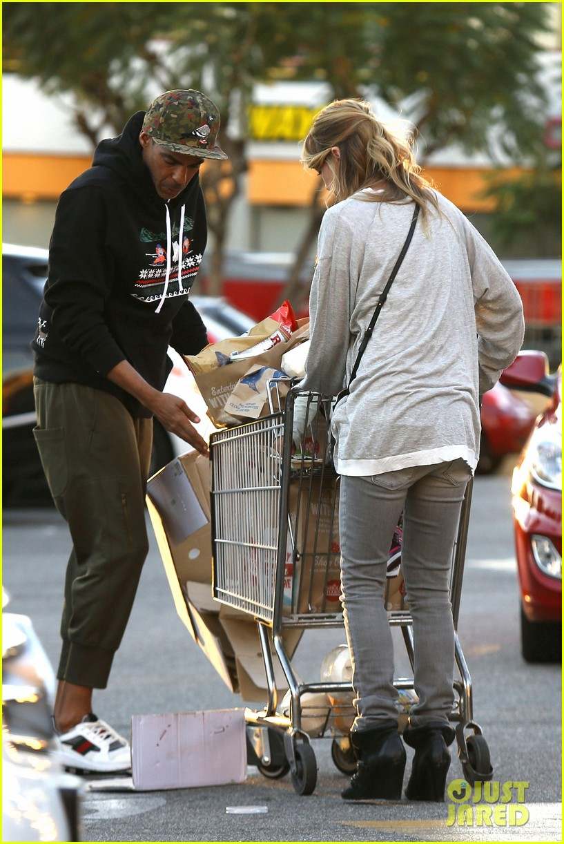 ellen pompeo spills her coconuts in whole foods lot 103024485