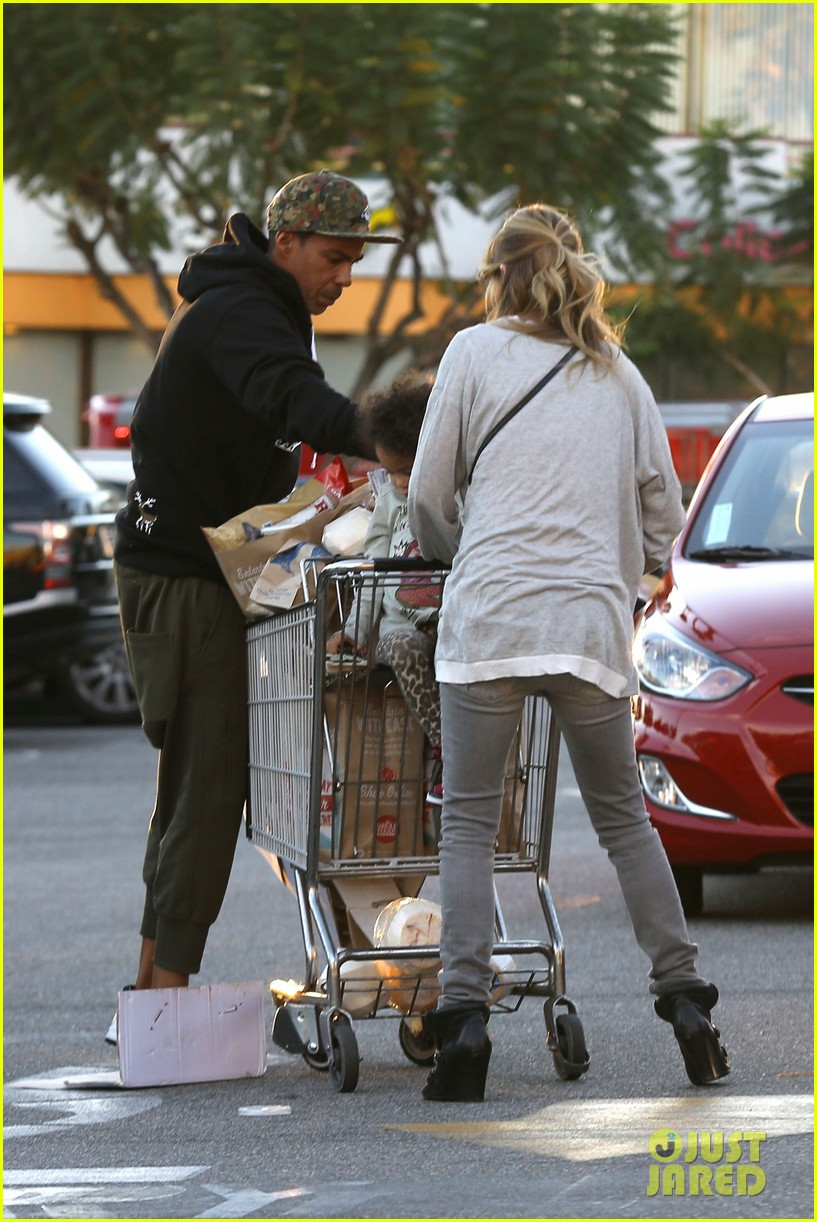ellen pompeo spills her coconuts in whole foods lot 113024486