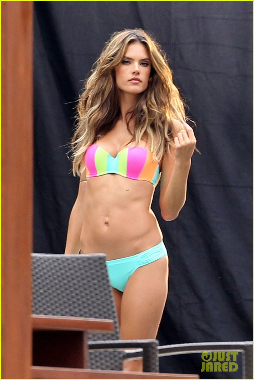 behati prinsloo alessandra ambrosios bikini bodies will make you head to the gym right now 113044536