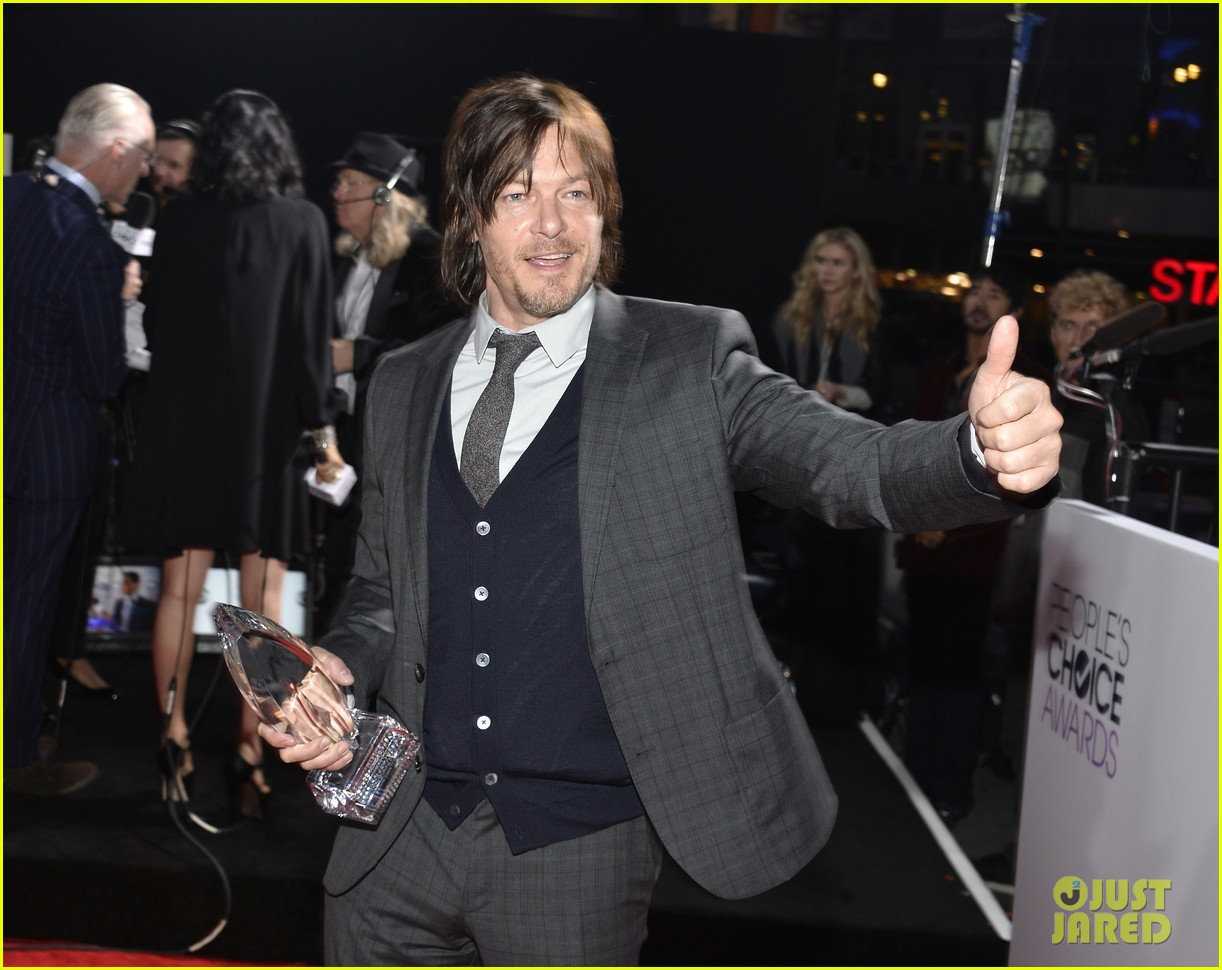 norman reedus peoples choice awards 2014 presenter 163025843