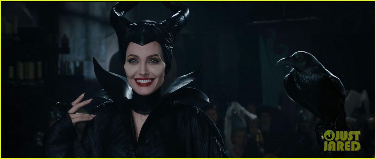 lana del rey sings in angelina jolies new maleficent trailer 01