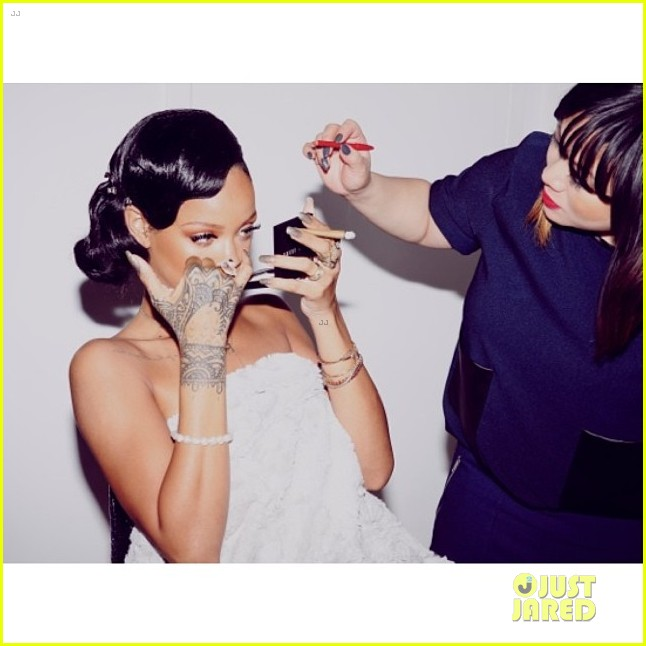 Rihanna shares new years eve 2014 dinner party photos photo rihanna shares new years eve 2014 dinner party photos photo 3021176 2014 new years eve cara delevingne melissa forde rihanna pictures just jared voltagebd Image collections