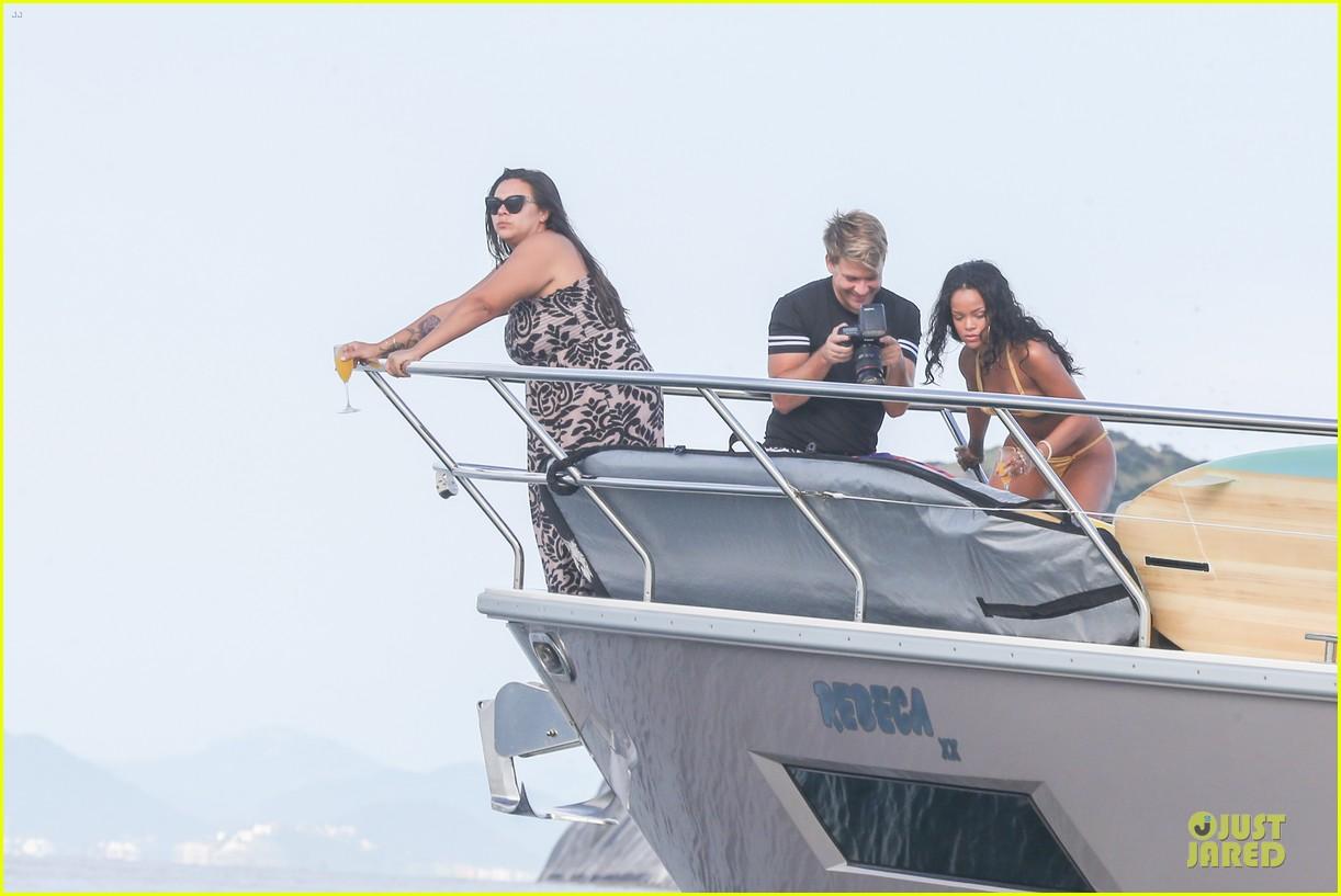 rihanna gold bikini beach babe in brazil 333036031