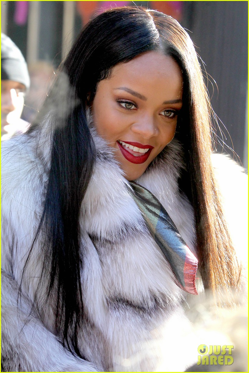 rihanna launches her viva glam cosmetics line in nyc 13