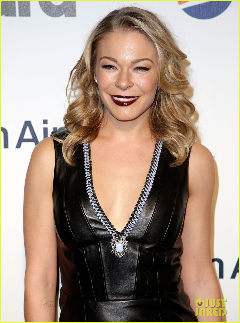 leann rimes billboards power 100 event with eddie cibrian 04