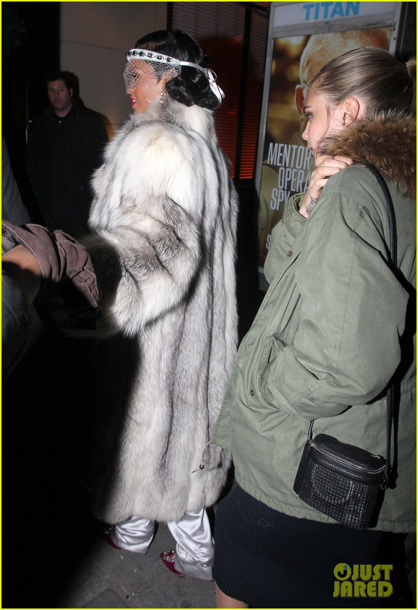 rihanna rings in new year cara delevingne nyc 053020997
