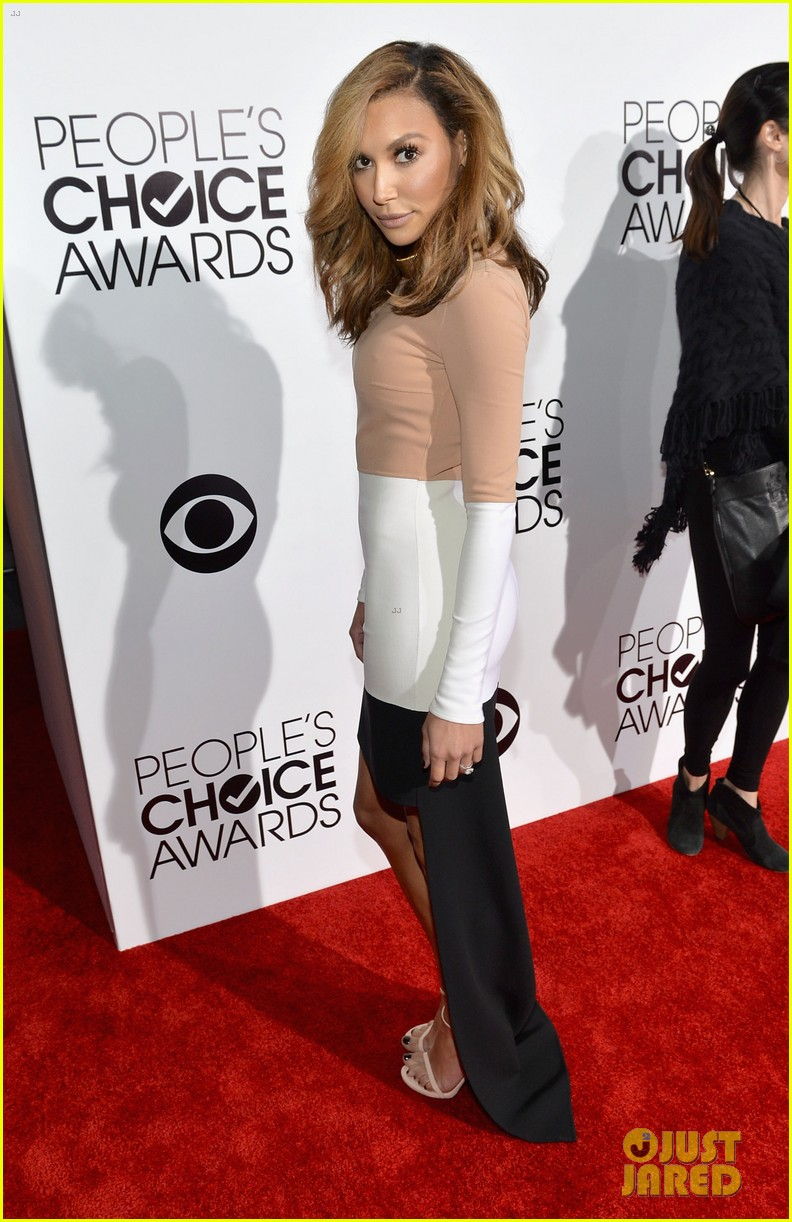 naya rivera goes blonde at peoples choice awards 2014 06