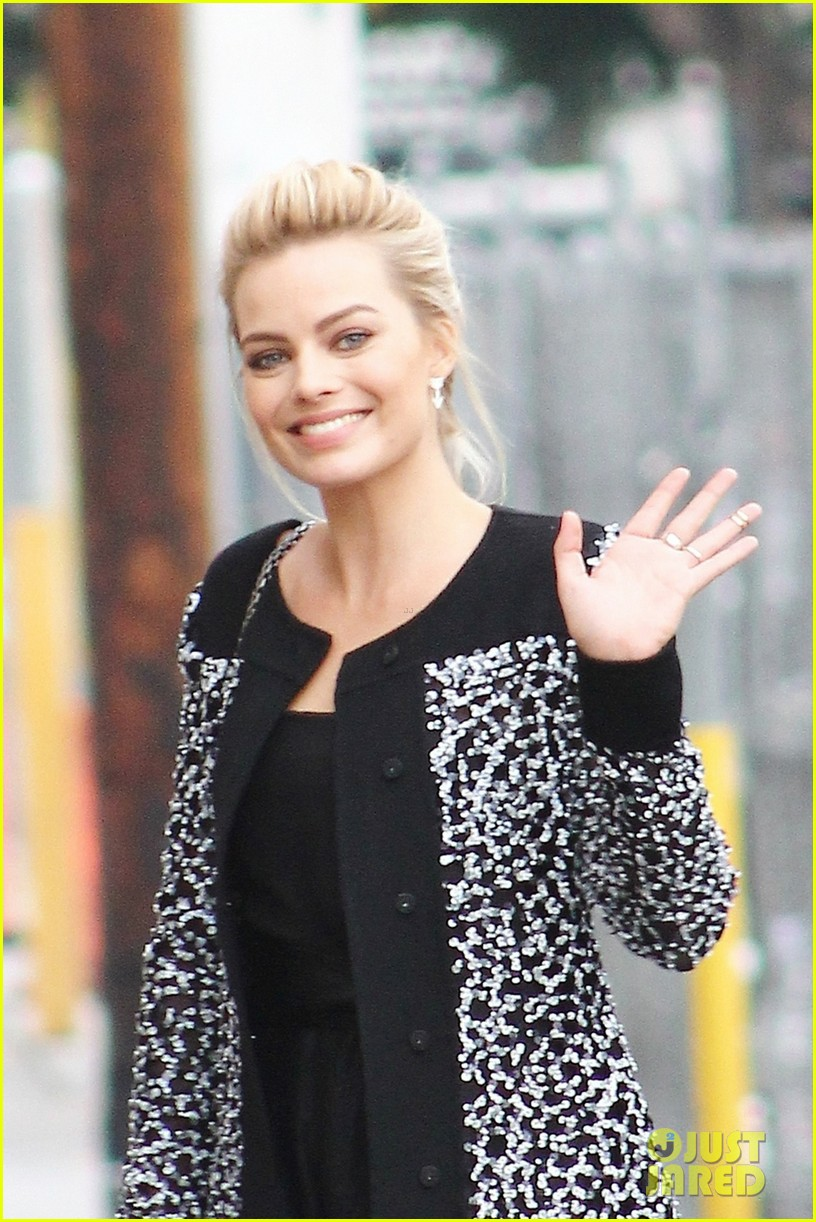 margot robbie jimmy kimmel appearance 023025290