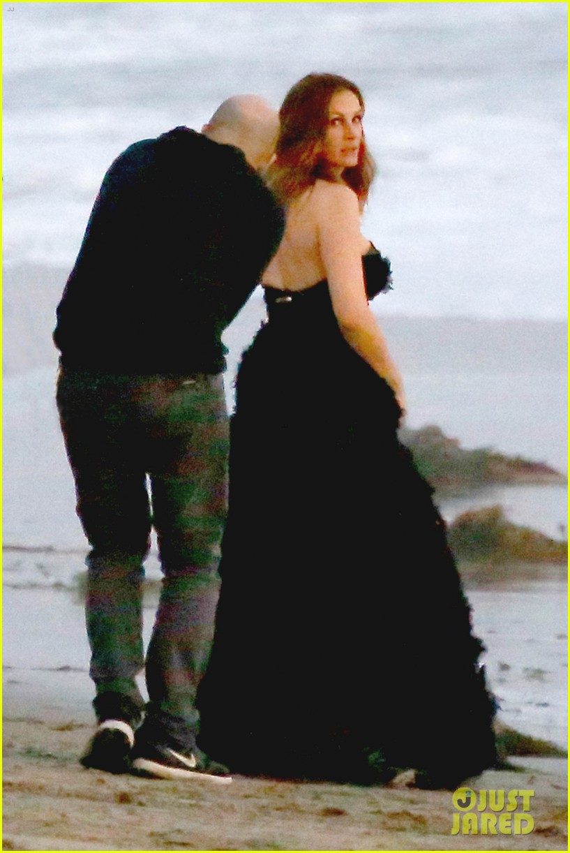 julia roberts wears elegant gown for beach photo shoot 133043854