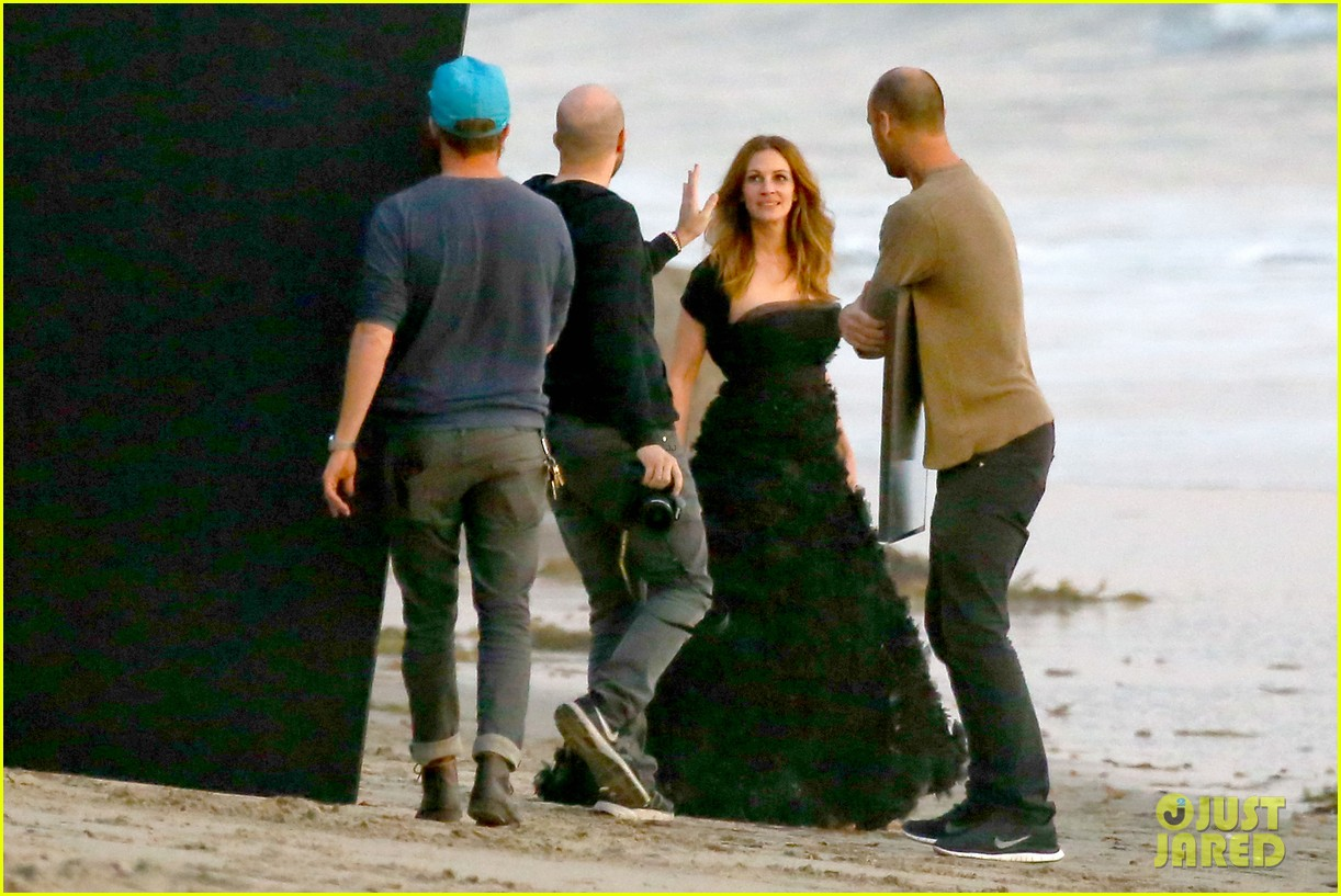 julia roberts wears elegant gown for beach photo shoot 153043856