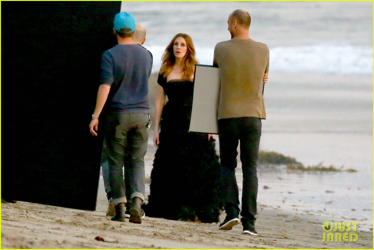 julia roberts wears elegant gown for beach photo shoot 163043857