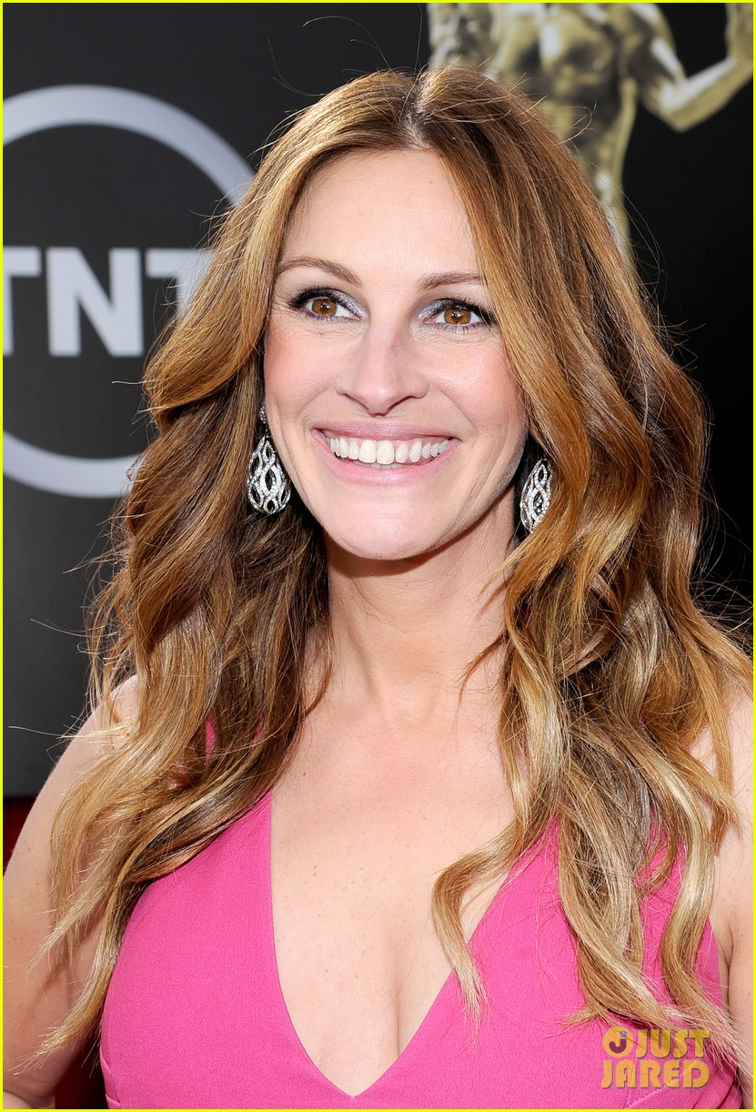 julia roberts sag awards 2014 red carpet 03
