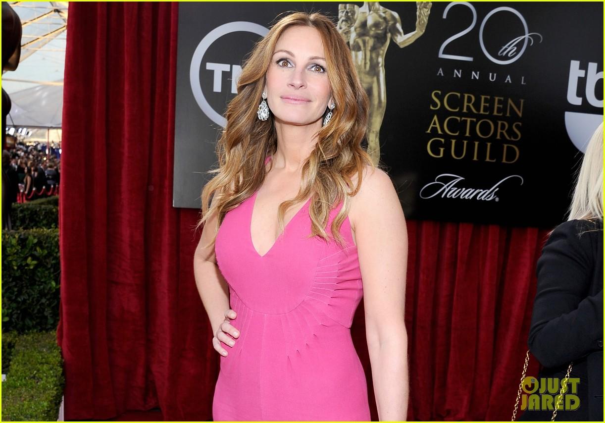 julia roberts sag awards 2014 red carpet 05