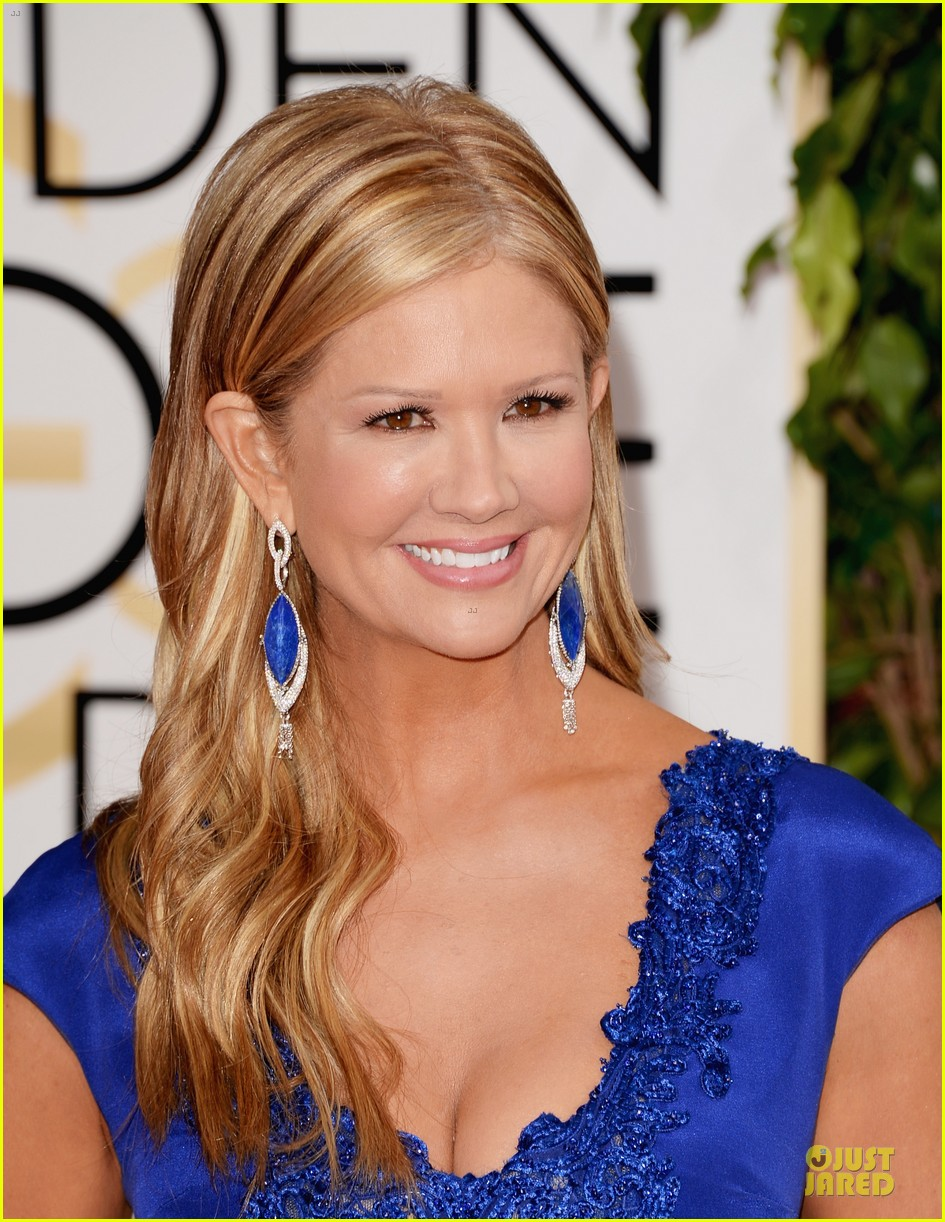 louise roe nancy odell golden globes 2014 red carpet 10