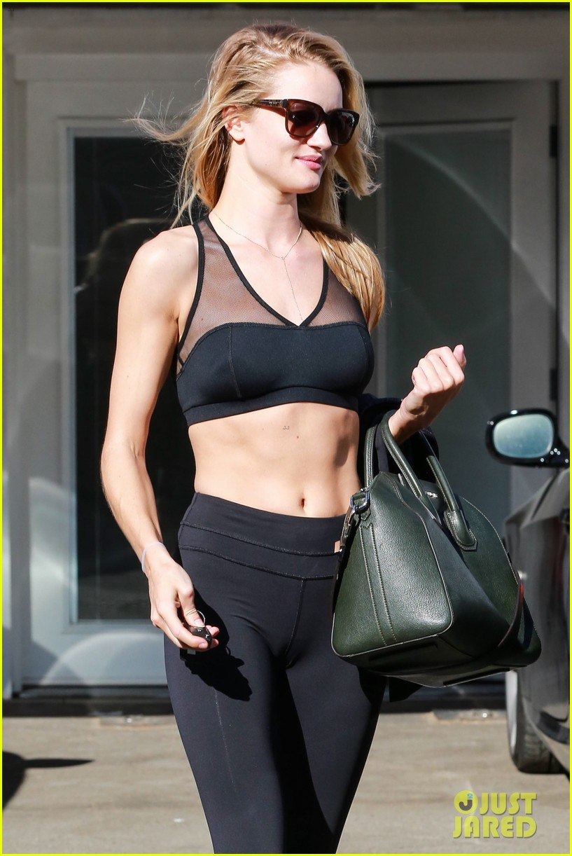 Rosie Huntington-Whiteley Dons Sheer Sports Bra to the Gym: Photo ...