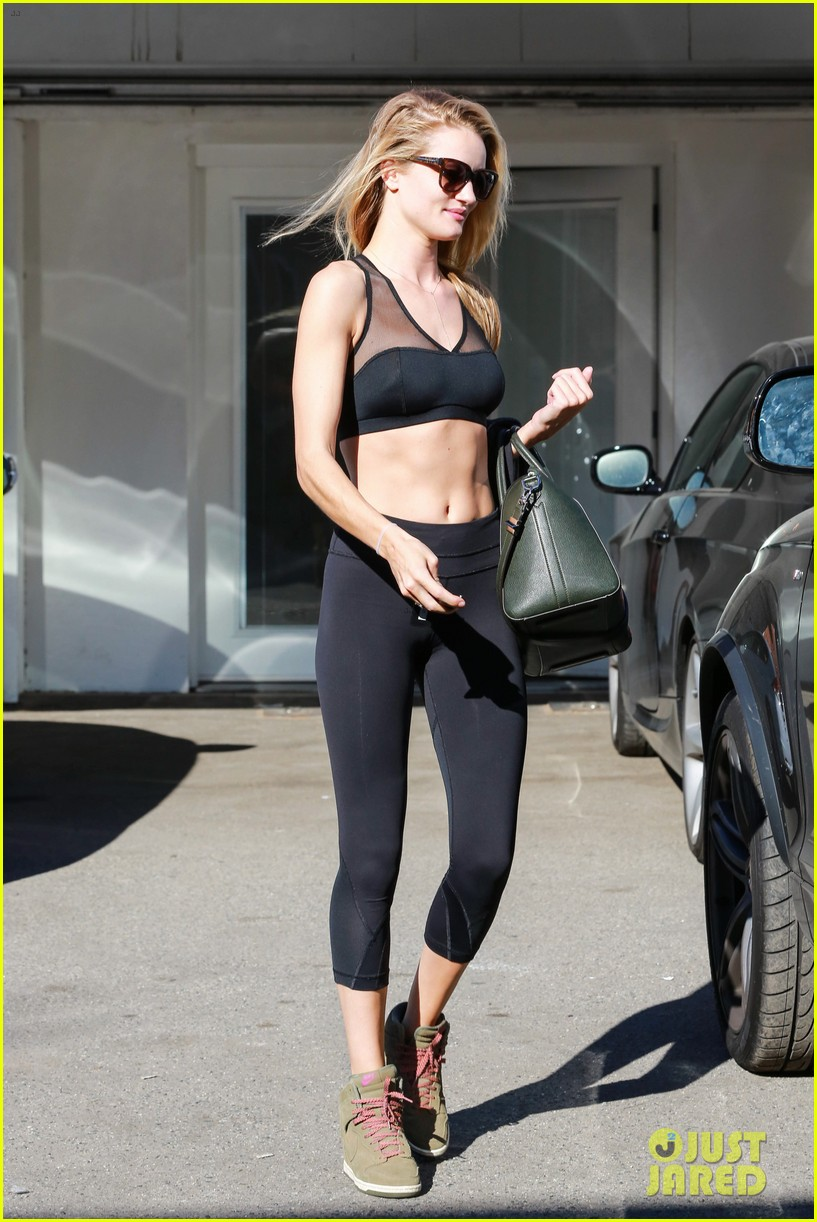 rose huntington whiteley dons sheer sports bra to gym 093035517