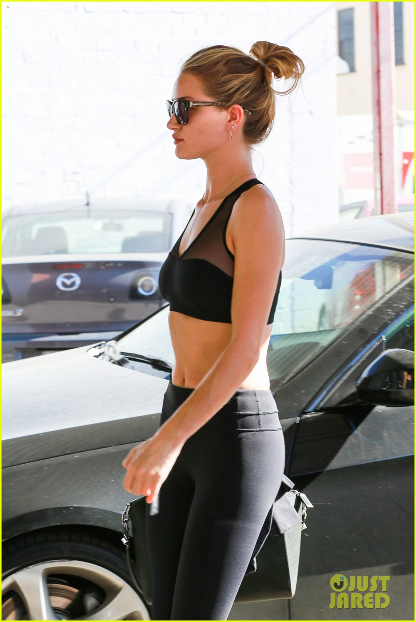 rose huntington whiteley dons sheer sports bra to gym 10