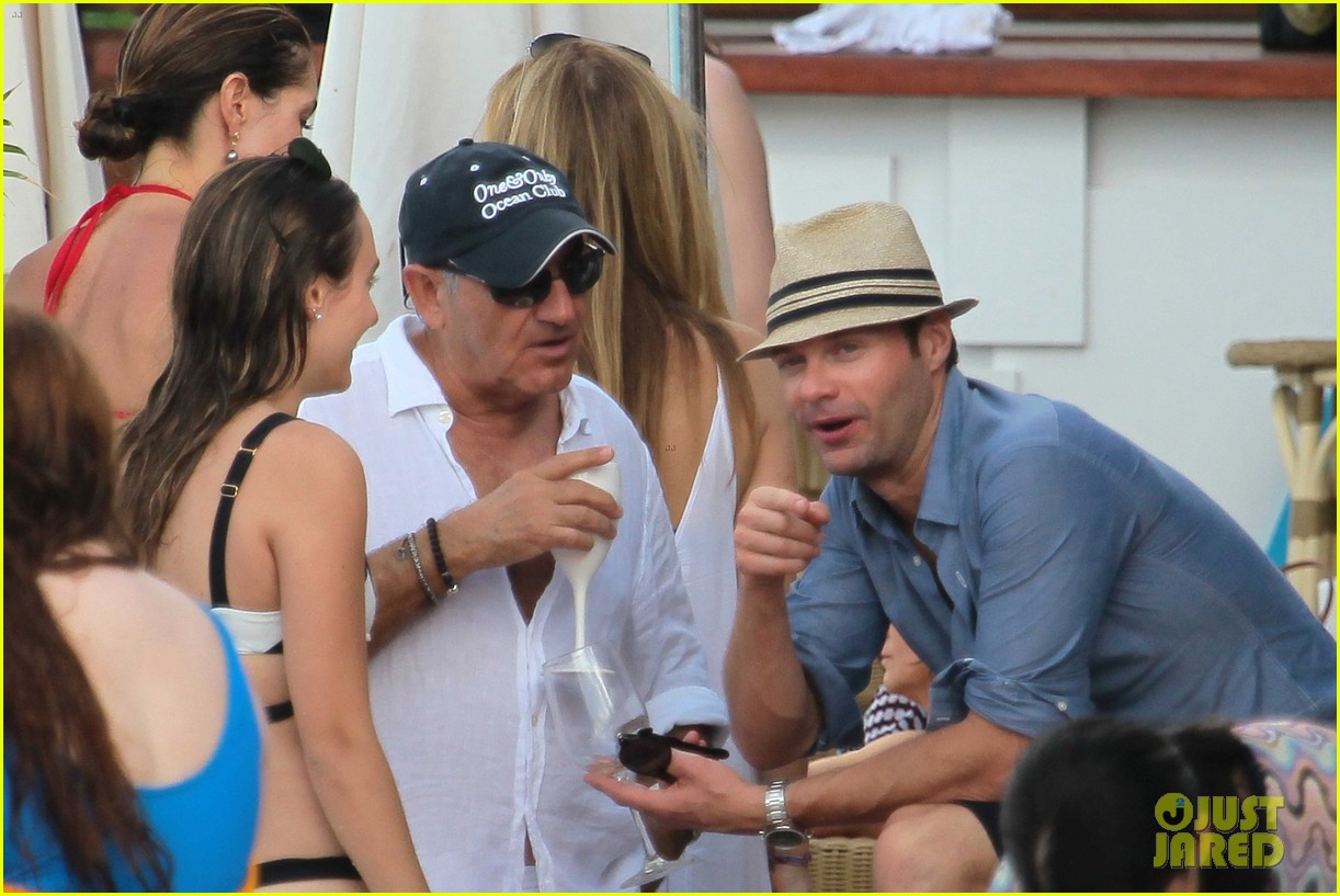 ryan seacrest enjoys drinks with friends in st barts 193021717