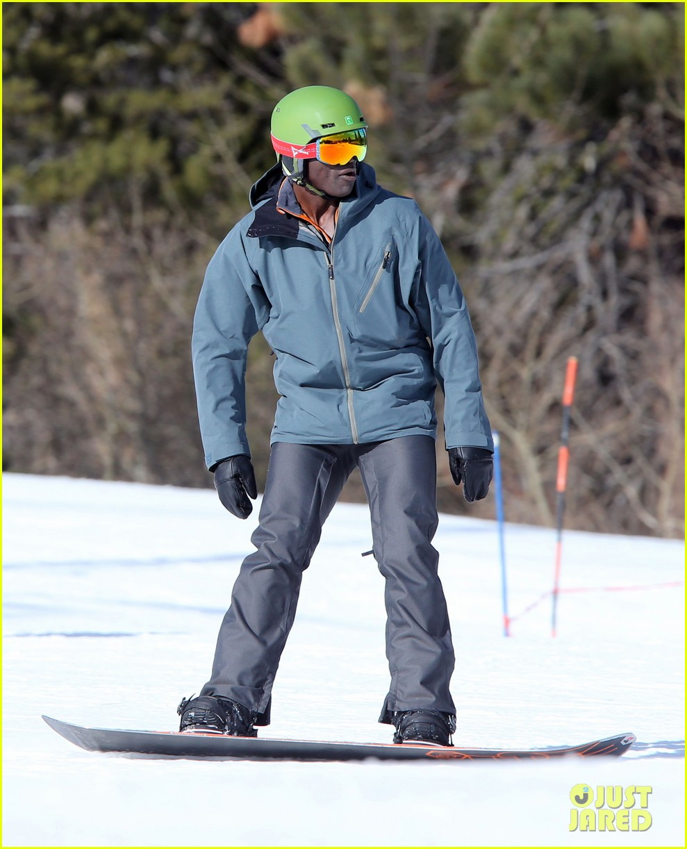 seal spends first day of 2014 snowboarding with the kids 24