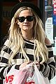 ashlee simpson begins new year with cvs pharmacy stop 04