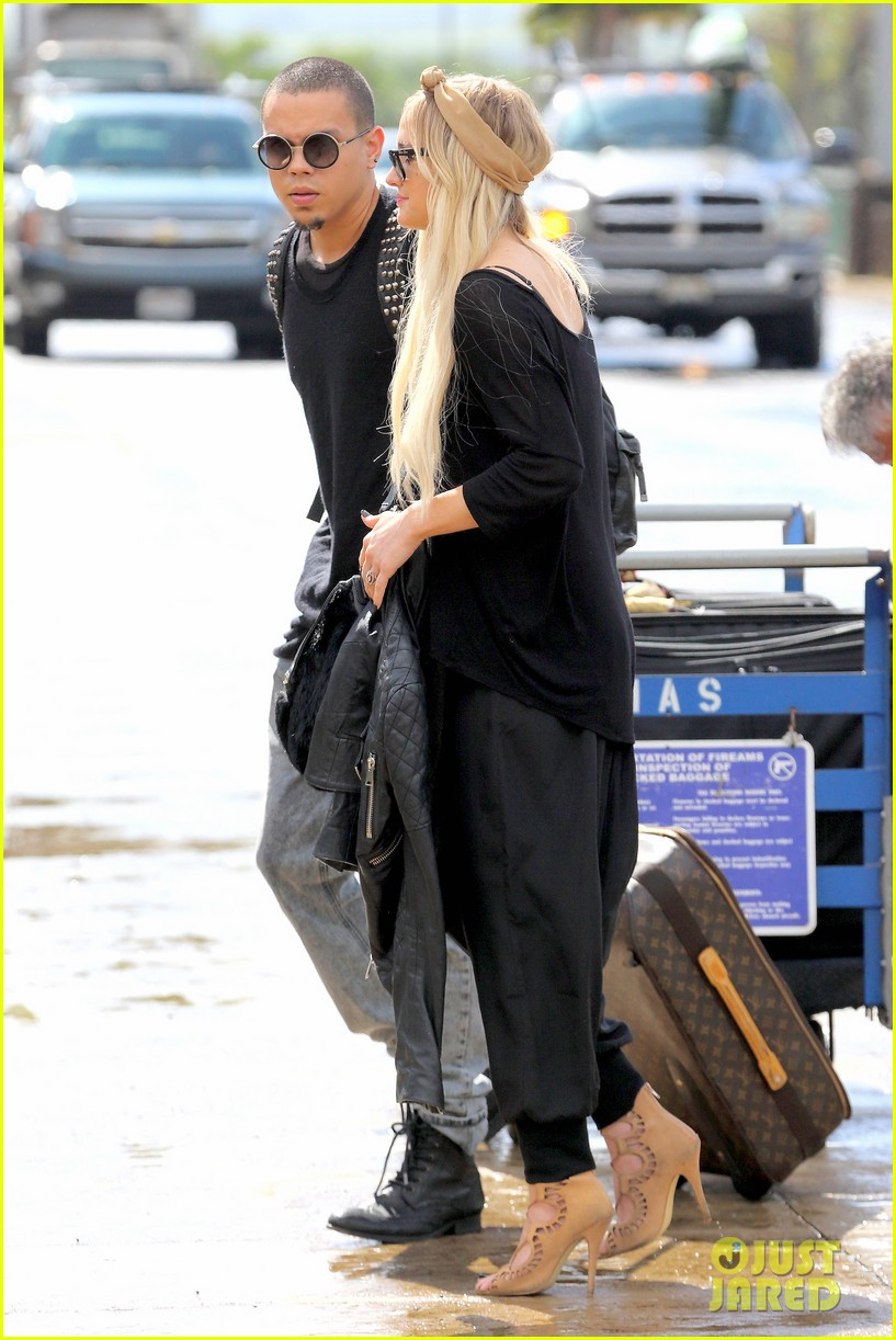 Full Sized Photo of ashlee simpson evan ross fly out after ... Ashlee Simpson