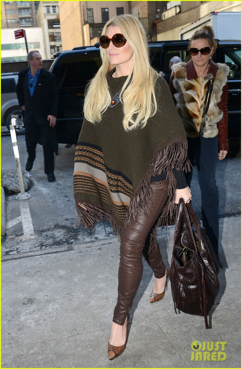 jessica simpson models slim figure in jessica simpson collection piece 113044904