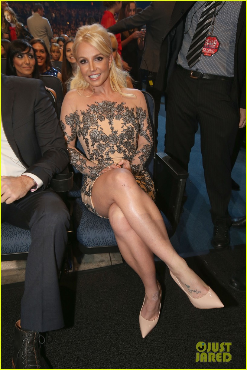 britney spears peoples choice awards 2014 with david lucado 09
