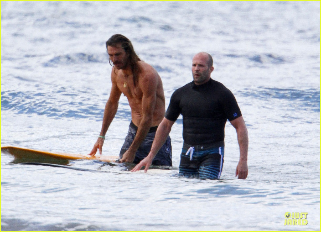 jason statham surfing vacation in hawaii 203024699