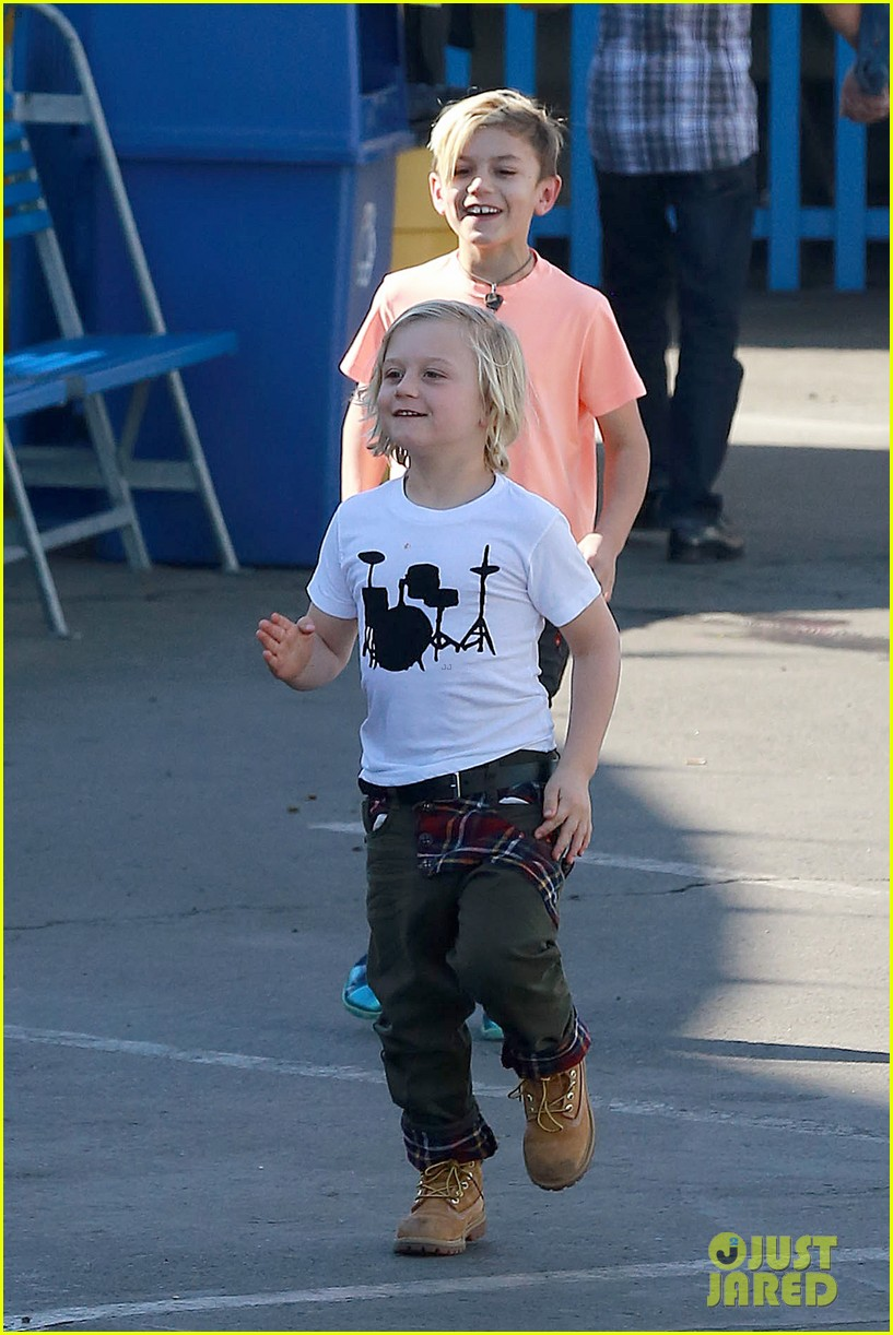 gwen stefani steps out with the family after baby boy news 03