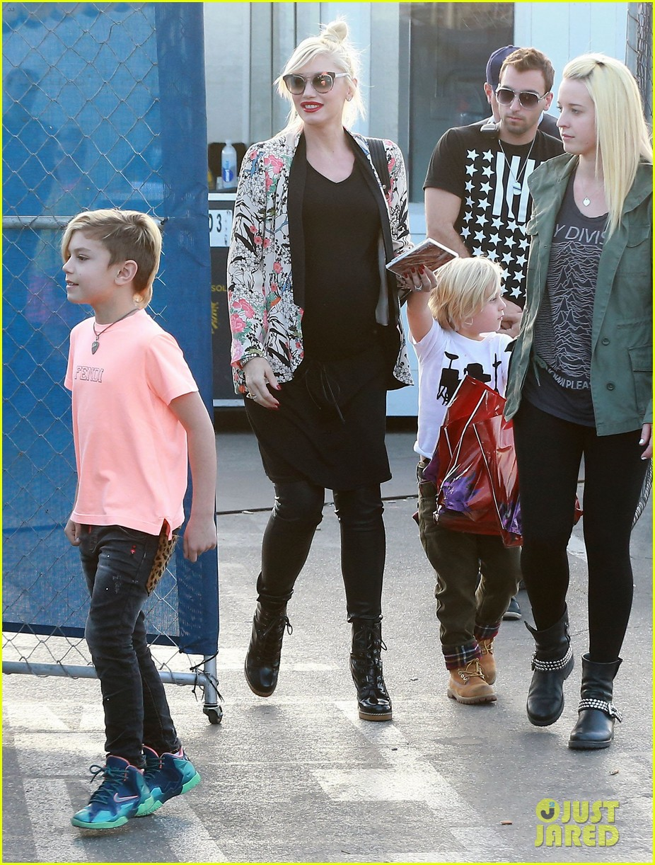 gwen stefani steps out with the family after baby boy news 04