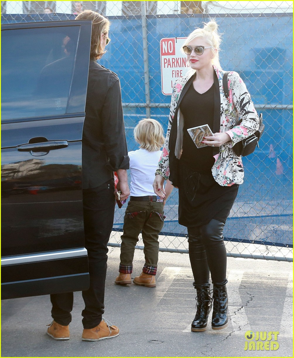 gwen stefani steps out with the family after baby boy news 09