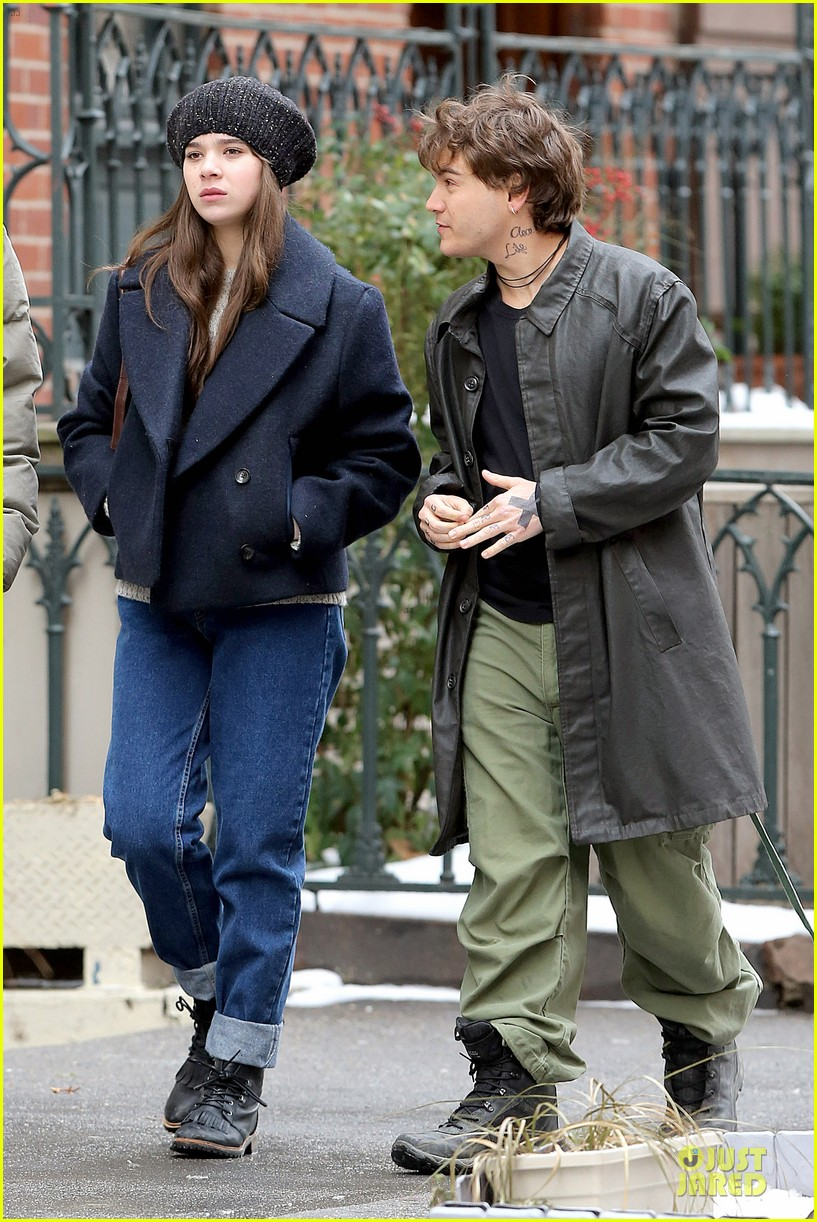 hailee steinfeld emile hirsch ten thousand saints set 17