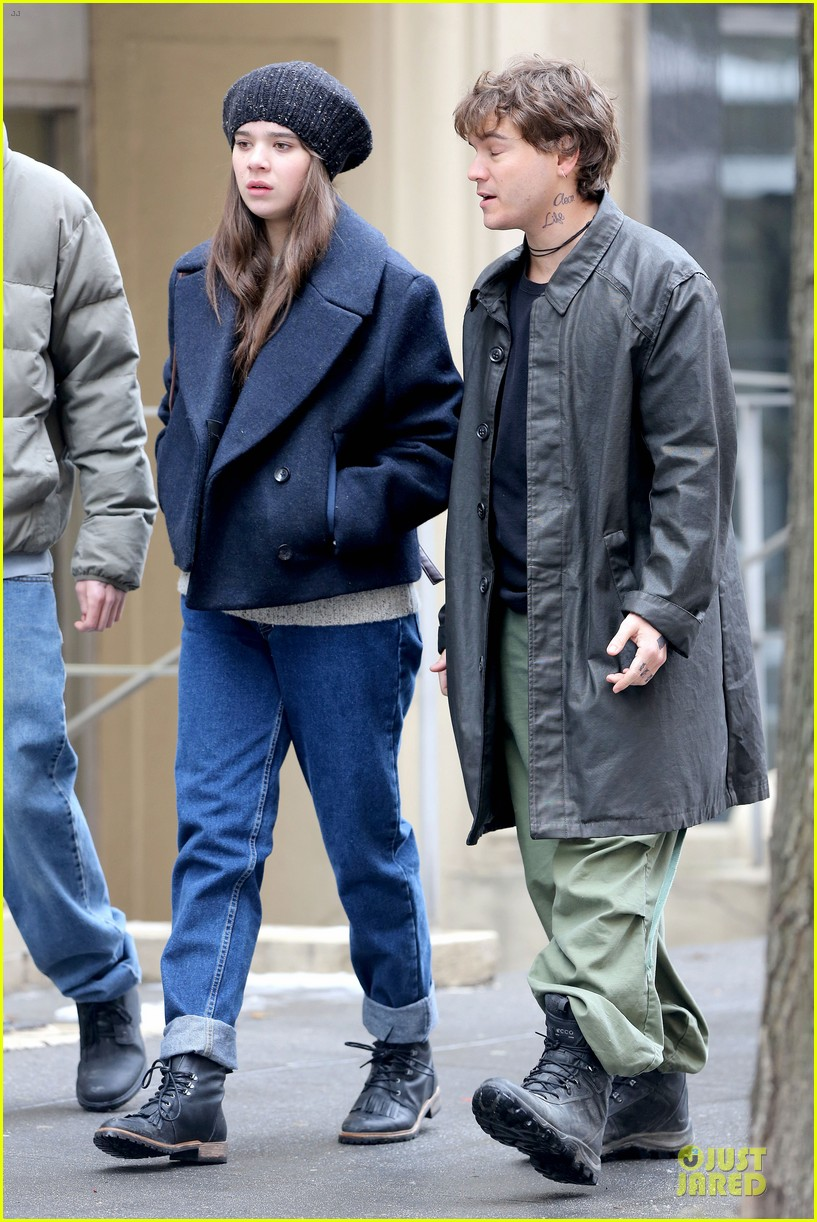 hailee steinfeld emile hirsch ten thousand saints set 22