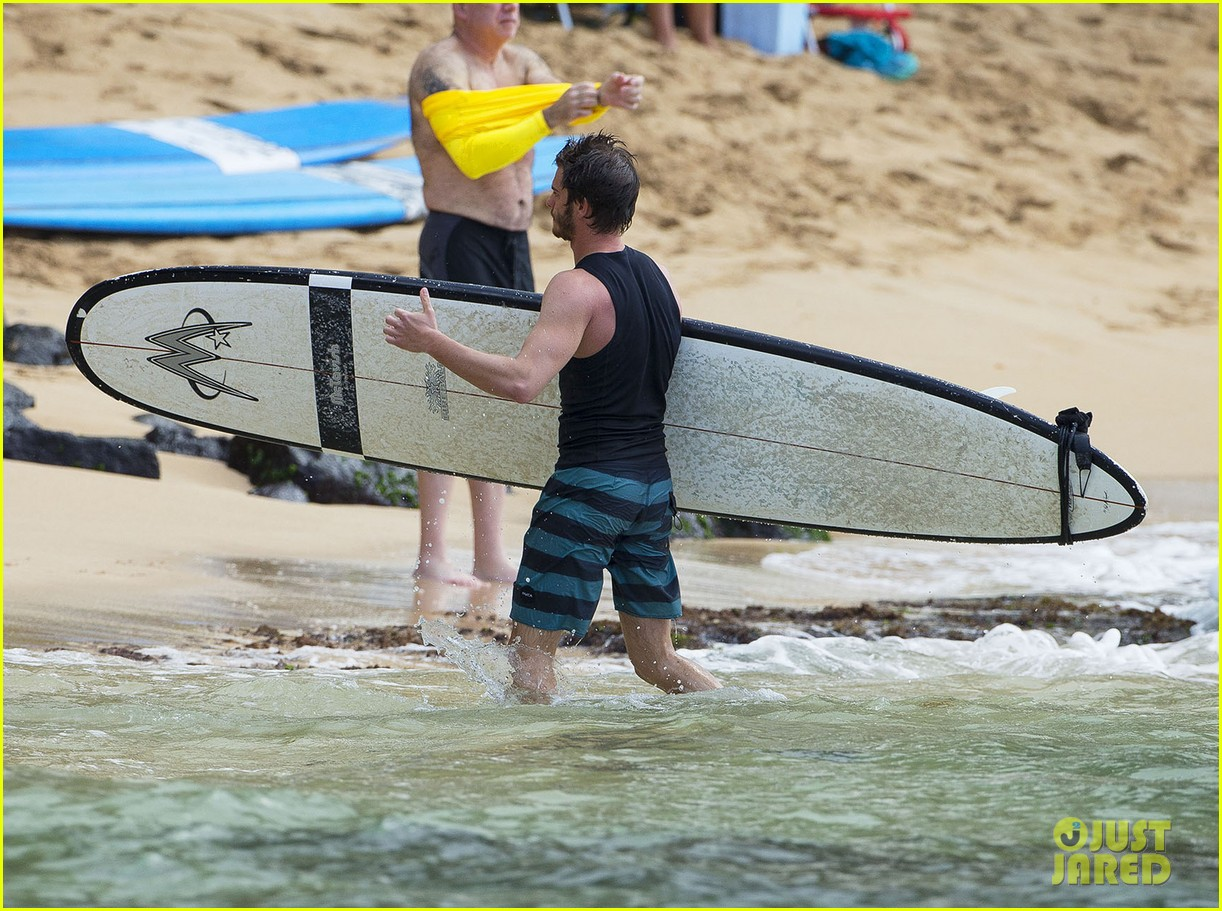 emma stone andrew garfield surf in hawaii 233023408