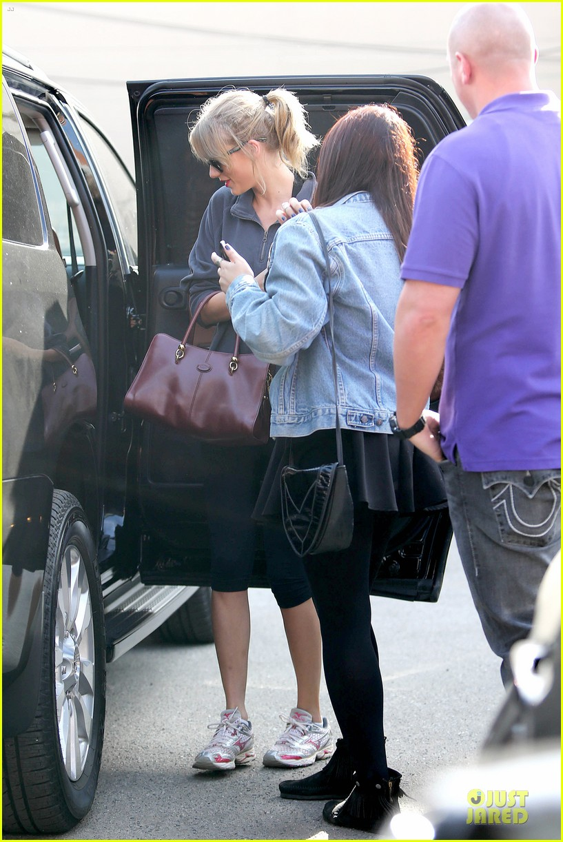taylor swift do something most charitable celeb in 2013 113022631