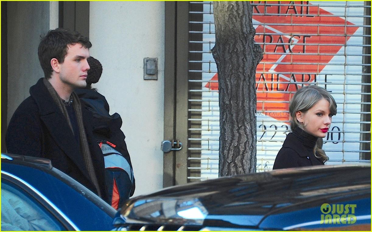taylor swift brother austin go shopping in new york city 10
