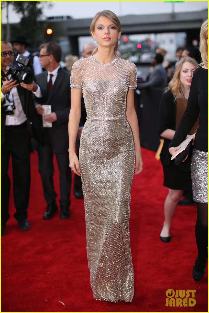 taylor swift grammys 2014 red carpet 243041247