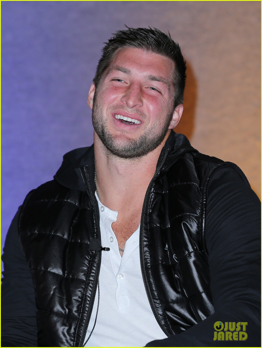 tim tebow soul electronics ces 2014 conference 023026120
