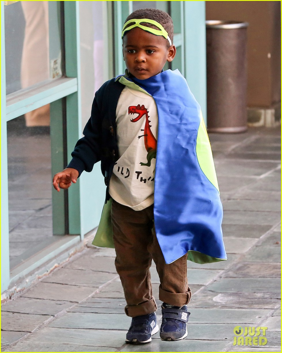 charlize theron takes caped crusader jackson to the gym 05