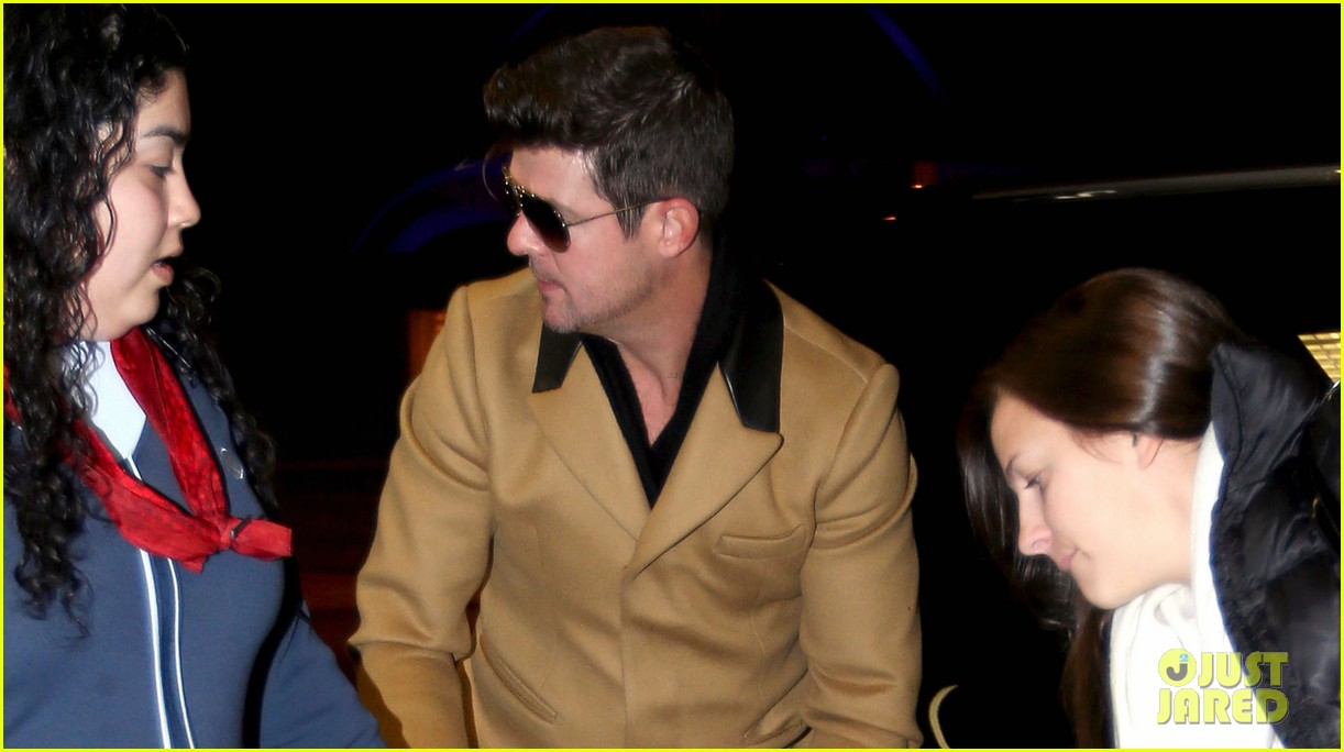 robin thicke looking forward to blurred lines tour 033042823