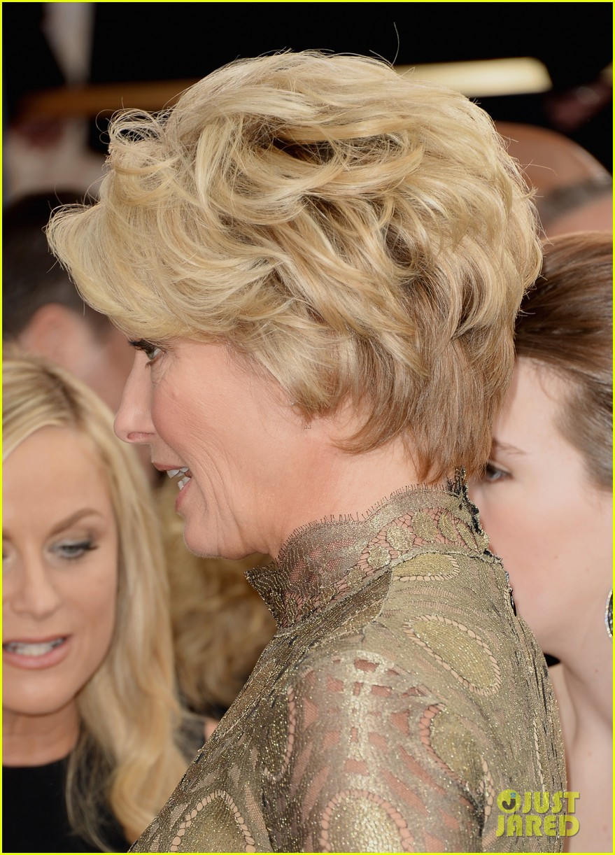 emma thompson golden globes 2014 red carpet 063029475